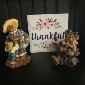 2 adorable Boyd's bears & friends figurines